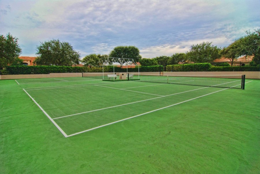 Jupiter Hills Tennis Courts