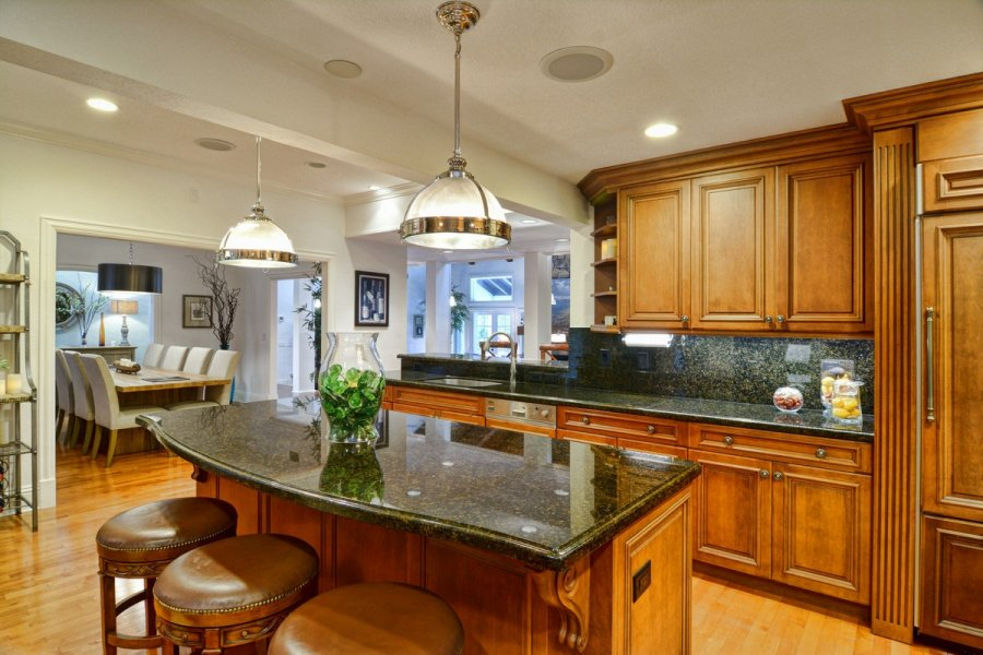 Kitchen - Spacious Counters