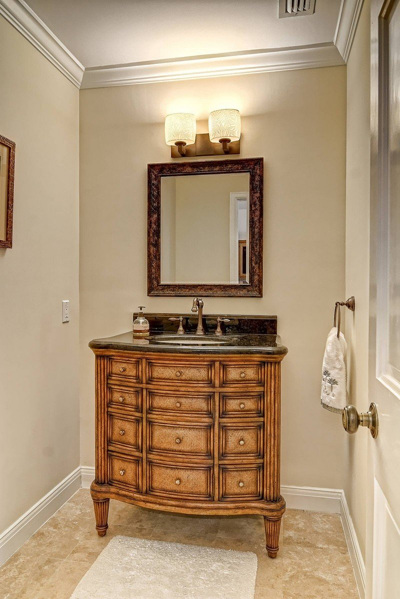 Powder Room - Vanity